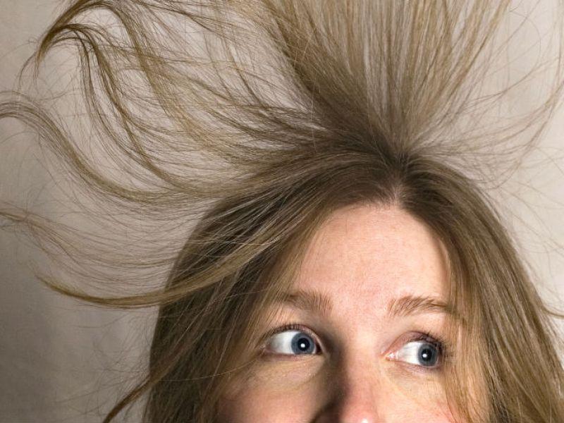 cabello con estatica