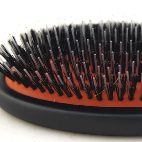 cepillo con puas de nailon